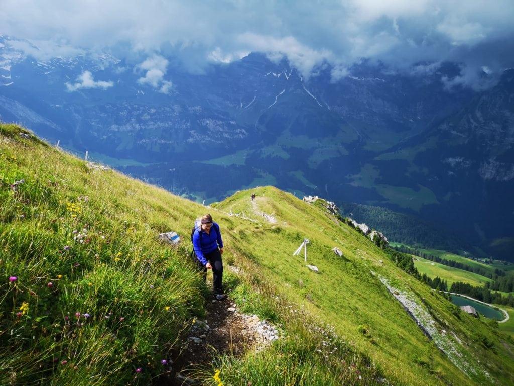 Zustieg zum Klettersteig Rigidalstockgrat in Engelberg - Schöner Wanderweg über Stock und Stein